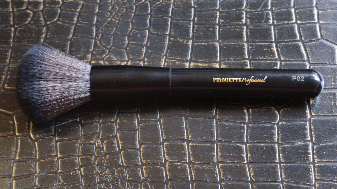 Pirouette Professional Powder Brush